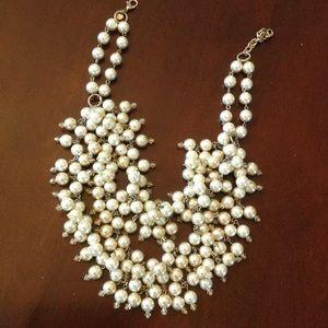 STELLA & DOT pearl hammock necklace